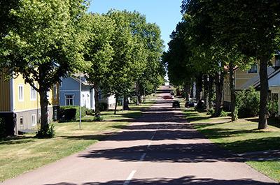 fi_mh_street.jpg