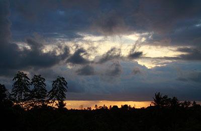 id_sunsetcafe02.jpg