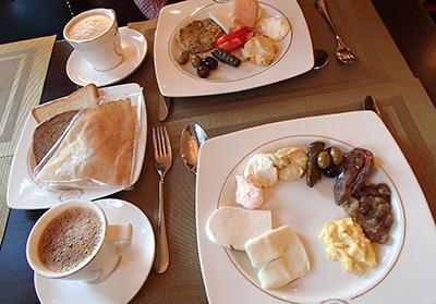 lb_breakfast.jpg